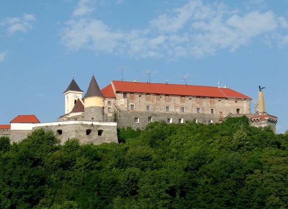 фото замок паланок