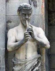 Статуя сатира. Массандровский дворец