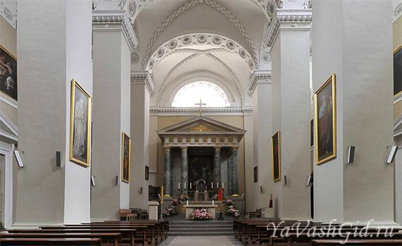 Внутри собора Св. Станислава