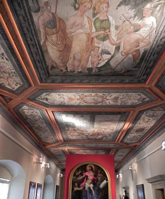 Внутри Шварценбергского дворца